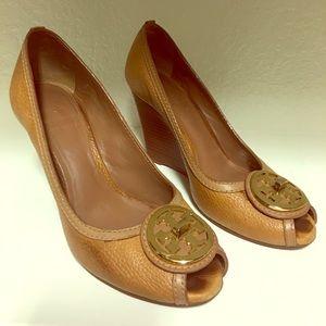 Tory Burch Tan Wedge Reva Peep Toe Size 6.5